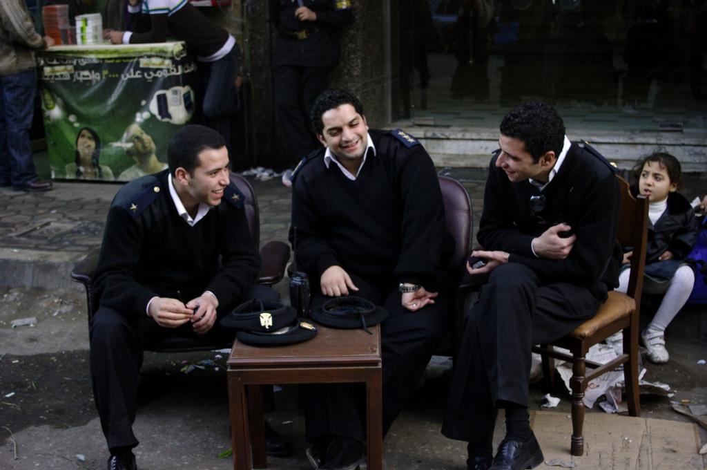 police, cairo, talking, egypt, photo