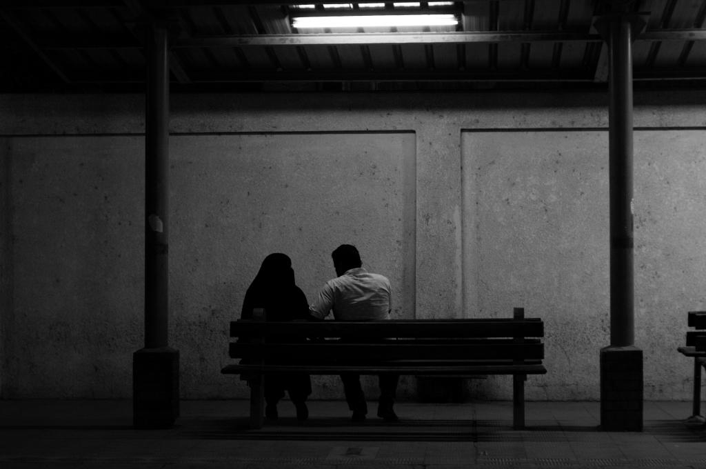 lovers, train station,metro, cairo, egypt, photography