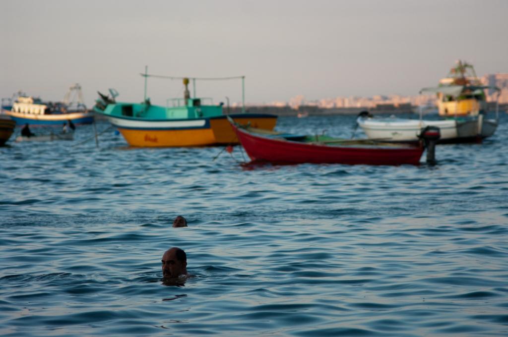 swimmer,sea,alexandria,harbour,boat,egypt,photography,مصر,تصوير,الاسكندرية,مينة,بحر